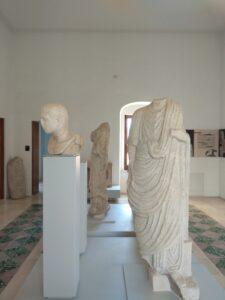 Monumento funebre di un magistrato romano (Lucera, Museo Civico G. Fiorelli).